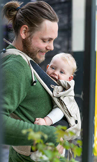 Babytrage Bondolino Plus Denim sand - die Trage für Väter