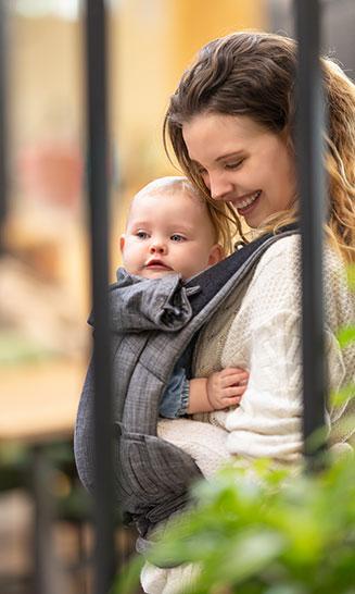 Babytrage Bondolino Plus Denim schwarz Bindung aufbauen